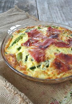 A self crusting, asparagus quiche made with gouda cheese to make it especially creamy and topped with La Quercia prosciutto - because cured ham makes everything better. Quiche Recipes, Egg Recipes, Brunch Recipes, Paleo Recipes, Real Food Recipes, Cooking Recipes, Yummy Food, Food Tips, Recipes