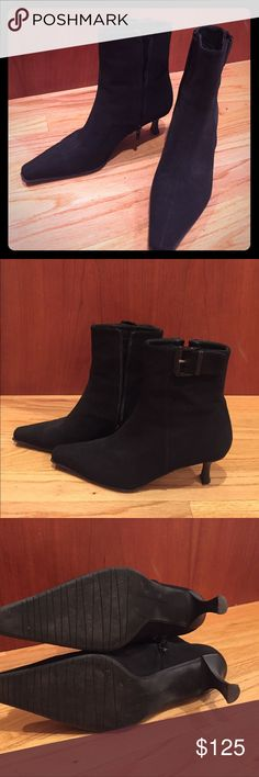 Stuart Weitzman black ankle booties Fabulous Stuart Weitzman ankle booties with zipper sides.  Worn only a few times.  They look amazing with skinny jeans. Stuart Weitzman Shoes Ankle Boots & Booties