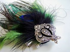 I am going to give this a try with some peacock feathers, it looks so cute.