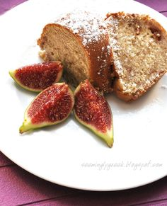 Homemade Fig Cake-I'm gonna try this with dates and almonds.