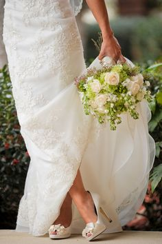 Green and White Wedding Style
