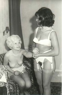 Vintage mums in nylons galleries above