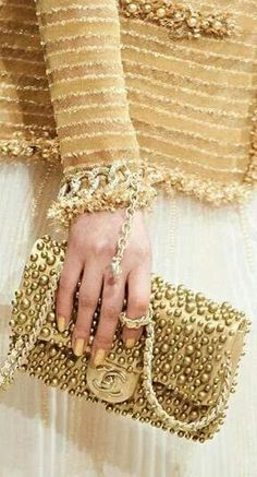 Bolsa Dorada Chanel