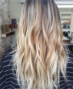 Beach sand tones. Color by @amieemariehairstudio #hair #hairenvy #hairstyles #haircolor #blonde #balayage #highlights #newandnow #inspiration #maneinterest