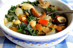 15-Minute Tuscan Kale & Mushroom Soup with Onions Tomatoes & Garbanzo Beans - so easy to prepare, few ingredients only --> perfect weekday lunch
