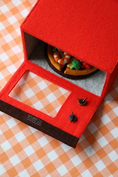 Crafts To Do, Felt Crafts, Felt Games, Art Restaurant, Felt Play Food, Pretend Food, Fabric Toys, Childrens Gifts, Toy Craft
