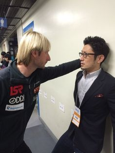 AAAHHH!!! Plushenko did the kabe-don!!!