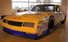 Dale Earnhardt's Chevrolet Monte Carlo SS NASCAR 1987. #DaleEarnhardt https://www.pinterest.com/jr88rules/dale-earnhardt/