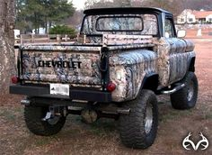 Now this is what an old chevy pick up should look like!