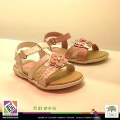 La comodidad y estilo siempre debe estar presente en el calzado, #sandalias #niñas