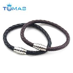 www.tomas-gifts.com  Custom new disign fashion mens leather bracelets for gifts.Mens bracelets with custom logo and size,also accept OEM/ODM design.