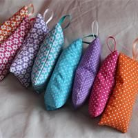 Sachets of lavender to hang Tuto to manufacture - Creative hobbies . Sewing Online, Lavender Bags, Couture Sewing, Diy Toys, Sewing Hacks, Sewing Tips, Quilting Projects, Diy And Crafts, Deco