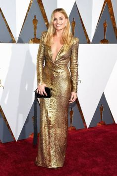 Margot Robbie - The Oscars 2016 - Red Carpet Fashion -
