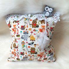 Kissen Waldtiere Kinderkissen Dekokissen Zierkissen Kuschelkissen handmade Mitbringsel Throw Pillows, Accessories, Worth It, Cute Pillows, Woodland Creatures, Great Gifts, Kidsroom, Dekoration