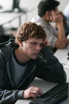 New Clips From THE SOCIAL NETWORK & Watch the LIVE Webcast With The Cast On Sunday! | We Are Movie Geeks
