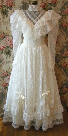 Vintage 70s 80s Lace WEDDING DRESS Jessica McClintock Ruffles Ribbons Gunne Sax Country Victorian High Collar Prairie Romantic