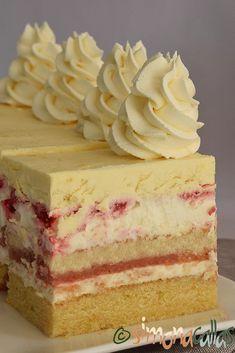Romanian Desserts, Romanian Food, Cake Recipes, Dessert Recipes, Mousse Dessert, Something Sweet, Mini Cakes, Yummy Cakes, Vanilla Cake