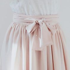 Pink lips 329114685261376316 - patron de couture jupe longue Pastel Blousette Rose long skirt sewing pattern Pastel Blousette Rose Source by elovee Fashion Sewing, Diy Fashion, Fashion Outfits, Skirt Patterns Sewing, Skirt Sewing, Pattern Sewing, Crochet Clothes, Diy Clothes, Pastel Pattern