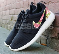 Shoes: The base shoe used is the Nike Rosherun Black//Anthracite/Sail. We can customize on any base of Nike Rosherun base youd like. You are not