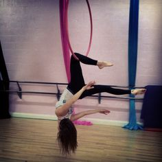 Learning To do lyra / aerial hoop. My first class, single hocks hang.