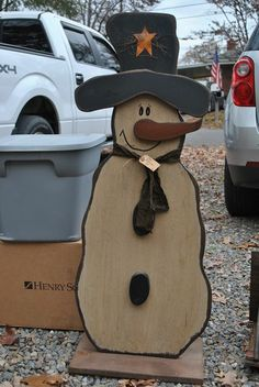 Snowman More (snowman crafts holiday decor) Christmas Wood Crafts, Primitive Christmas, Christmas Snowman, Rustic Christmas, Christmas Projects, Winter Christmas, Holiday Crafts, Christmas Decorations, Winter Wood Crafts