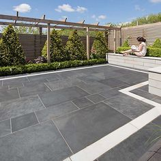 Marshalls have over 120 years experience providing attractive natural stone garden paving & block driveways all available in a range of colours & finishes! Back Garden Design, Modern Garden Design, Garden Landscape Design, My Patio Design, Garden Slabs, Garden Paving, Patio Slabs, Slate Patio, Patio Flooring