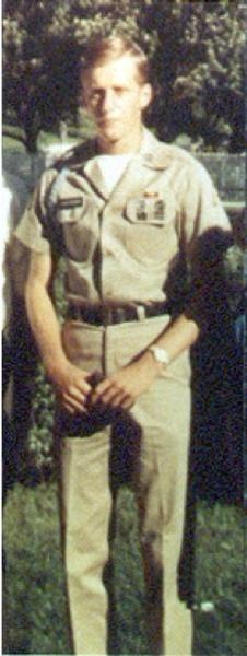 Virtual Vietnam Veterans Wall of Faces   ROBERT E SCHROEDER JR   ARMY
