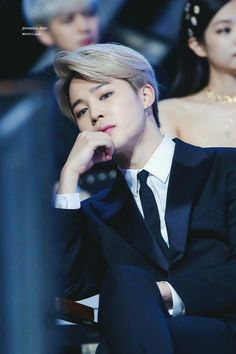 Discovered by 지민. Find images and videos about kpop, bts and jimin on We Heart It - the app to get lost in what you love. Jimin Jungkook, Jimin Hot, Bts Bangtan Boy, Bts Taehyung, Bts Boys, Park Ji Min, K Pop, Billboard Music Awards, Foto Bts