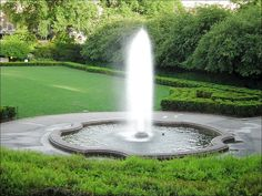 Ultra Wonderful Large Outdoor Water Fountain Design : The Surprisingly Dramatic Statement And Effect Obtained From The Presence Of Very Large Outdoor Water Fountains Backyard Water Fountains, Patio Fountain, Backyard Water Feature, Indoor Fountain, Garden Fountains, Outdoor Fountains, Water Fountain Design, Fountain Ideas, Indoor Water Features