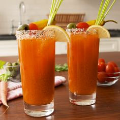 Any Bloody Mary fan will LOVE these easy Bunny Marys! Make them for your Easter brunch—trust us, you'll be MVP. Bloody Mary, Healthy Alcoholic Drinks, Yummy Drinks, Cocktail Drinks, Cocktail Recipes, Alcohol Drink Recipes, Cooking Recipes, Healthy Recipes, Healthy Food
