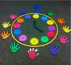 Time Savers, Hints and Creative Learning Activities Teaching Time, Teaching Math, Teaching Clock, Teaching Ideas, Fun Math Games, Preschool Activities, Time Activities, Playground Painting, How To Teach Kids
