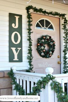 Creative Ways to Decorate your Front Porch for the Holidays • Ideas & Tutorials! • Check out the tutorial on how to make this Holiday Sign!