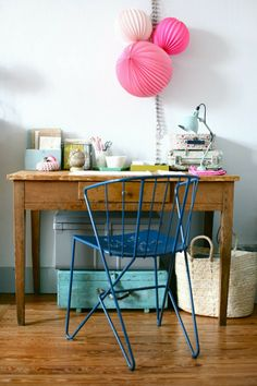 Pretty #decorations above a desk for the #home #office