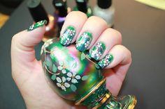 Dotted flowers on sponge gradient nail art design - base color Zoya Ivanka (Inspiration - Fenton glass egg). How to / tutorial at link