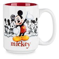 Shop Disney dinnerware featuring Mickey and Minnie Mouse and more. Disney characters on plates, bowls, and kitchen accessories brings fun to the dinner table. Mickey Mouse House, Mickey Mouse Mug, Disney Mickey Mouse, Casa Disney, Disney Home, Miki Y Mini, My Little Pony Dolls, Wedding Toasting Glasses, Disney Coffee Mugs