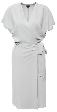 Какие платья должны быть в гардеробе элегантной дамы возраста