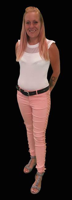 Scoor de complete outfit Wild Cat inclusief 10% korting voor maar € 84,95 compleet met body, broek, riem en schoenen. GRATIS VERZENDING!!