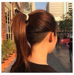 Female Undercut Long Hair, Girl Undercut, Shaved Undercut, Long Undercut, Undercut Bob Haircut, Girls Shaved Hairstyles, Undercut Hairstyles Women, Edgy Haircuts, Latest Hairstyles