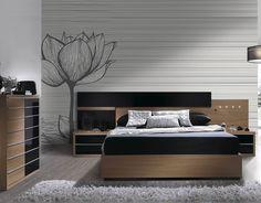 Dormitorio en color Noce y lacado negro. Compuesto de cama de 150x190 y 2 mesitas de 2 cajones. Luces de cabecero incluídas. Opcional 2.- sinfonier de 7 cajones de 59x40x109.3 (490€) Somier, colchón y elementos decorativos no incluídos.