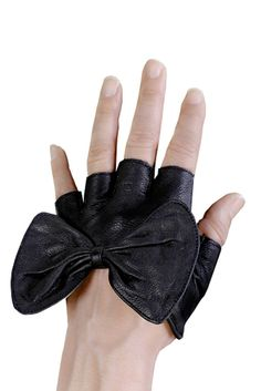 bow gloves gothy and cute!