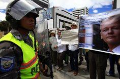 #vidaenrosario CACEROLAZO A FAVOR DE ASSANGE EN ECUADOR