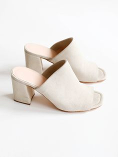 mules with leather insole and interior, stacked heel. Fits true to size. Sizing: American Color- Sand SuedeSuede mules with leather insole and interior, stacked heel. Fits true to size. Crazy Shoes, Me Too Shoes, Shoe Boots, Shoes Heels, Mode Shoes, Inspiration Mode, Sandals For Sale, Trendy Shoes, Summer Shoes