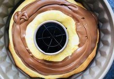 Ciambellone umplut cu cremă de ciocolată – Chef Nicolaie Tomescu Waffles, Pancakes, Crepes, Tiramisu, Pudding, Breakfast, Desserts, Food, Tailgate Desserts