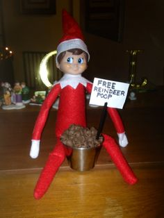 Elf on the Shelf free reindeer poop idea. Chocolate chips or Coco Puffs