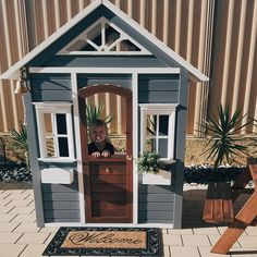 She's complete 🏠 So the kmart cubby house hack continues on.Made the most of today's beautiful weather and to try shake off my shitty… Playhouse Decor, Backyard Playhouse, Backyard Playground, Backyard For Kids, Playhouse Ideas, Kids Cubby Houses, Kids Cubbies, Play Houses, Wendy House