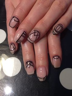 Nude abstract nails