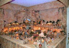A highly impressive Fontanini Nativity set. Pinned by @Maria Estrada