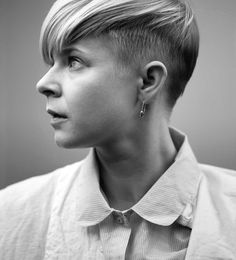 Today's Style Star is a very favorite of mine for her kooky originality - Robyn