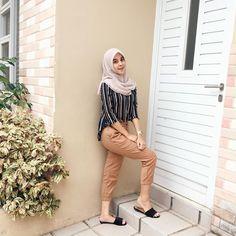 Modern Hijab Fashion, Street Hijab Fashion, Hijab Fashion Inspiration, Muslim Fashion, Casual Hijab Outfit, Ootd Hijab, Casual Outfits, Hijab Dress, Girl Fashion