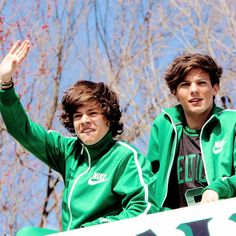 Harry and Louis Larry Stylinson, One Direction Photos, I Love One Direction, Louis Tomlinson, Just Good Friends, Mutual Respect, Family Show, Louis And Harry, Matthew Gray Gubler